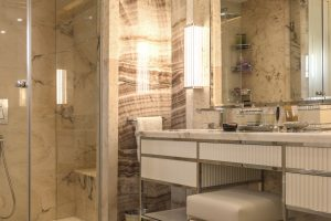 Master bathroom 46